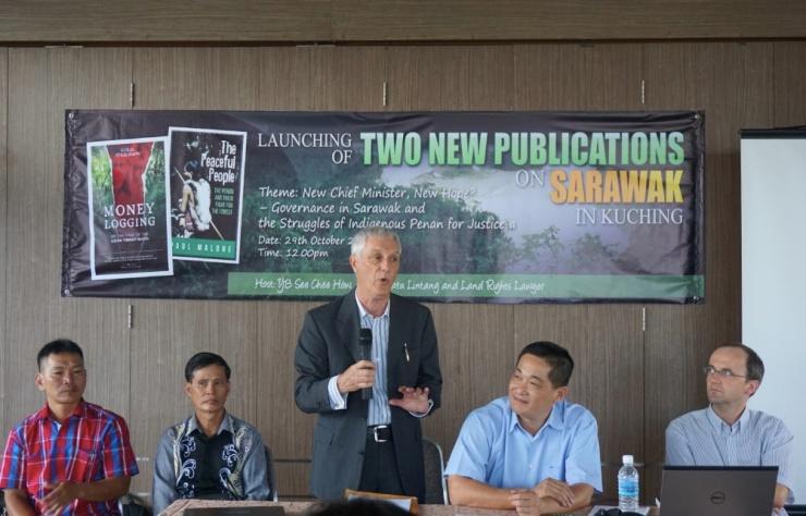 pic3_press_conference_kuching