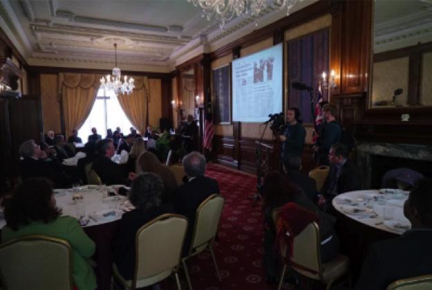 阿德南第二天在倫敦會見環保非政府組織。