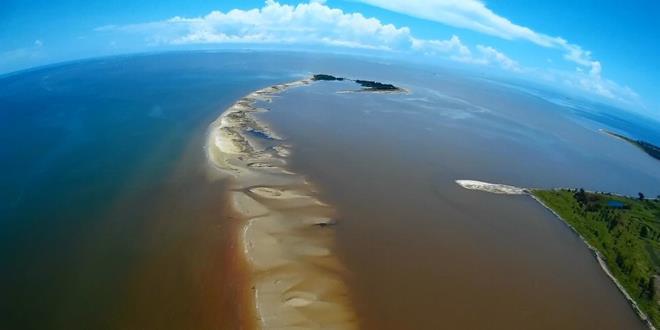 峇南河口向南面延伸的狹長沙洲。(照片提供:DAVID LIM)