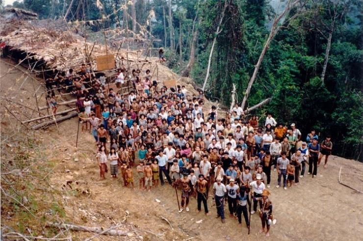 Penan Blockade im Gebiet des Oberen Baram ins Sarawak, Malaysia, nahe der Gemeinde Long Ajeng.